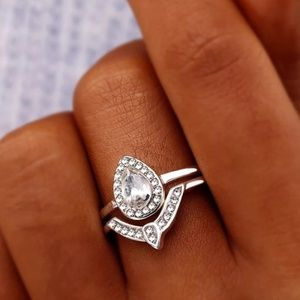 Jewelry - 2 Piece Cubic Zirconia Wedding Ring Set